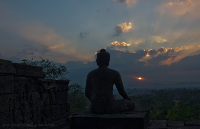 Borobudur Sunrise copyright (c) 2012 Prayudi Hartono using a Creative Commons License.